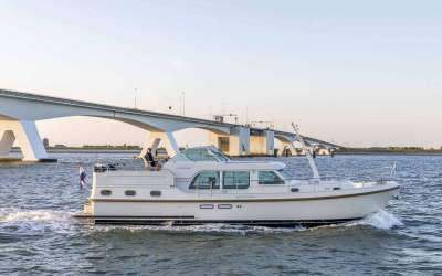 Grand Sturdy 45.0 AC Linssen