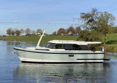 Linssen-35-SL-Sedan-Fjord-Blue-3666-023