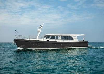 linssen-grand-sturdy-500_sedan_grey_black_rope