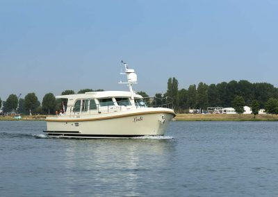 linssen_grand_sturdy_40.0_sedan_seitlich