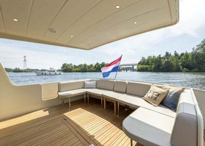 linssen_grand_sturdy_40.0_sedan_sonnendeck